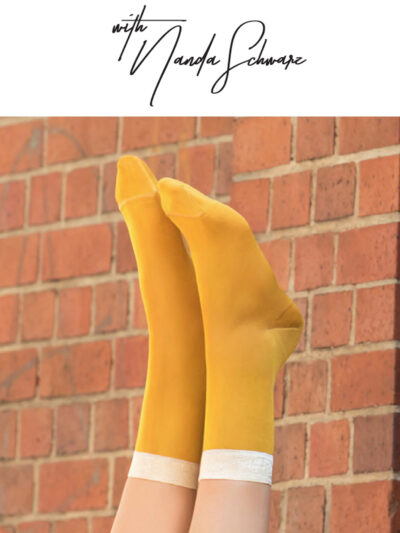 2H2H Nanda's Shiny Socks Too Hot To Hide Söckchen